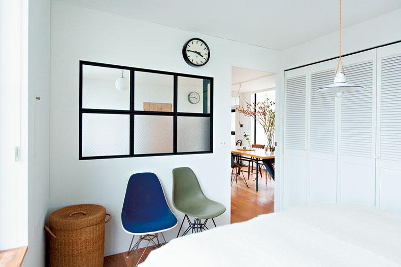 白の余白でスッキリシンプルな部屋