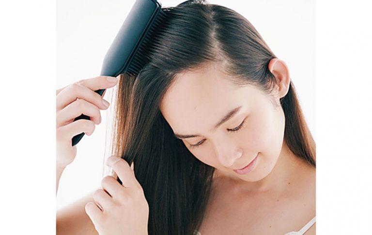 ◆シャンプー前の丁寧なブラッシングで髪も地肌も整えて