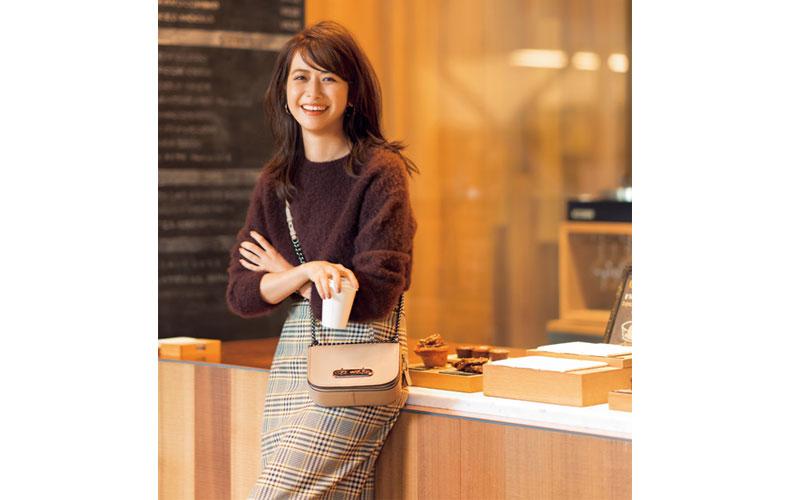 【4】茶ニット×チェックタイトスカート
