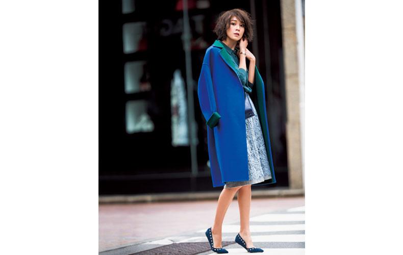 【1】青コート×青ブラウス×水色レーススカート