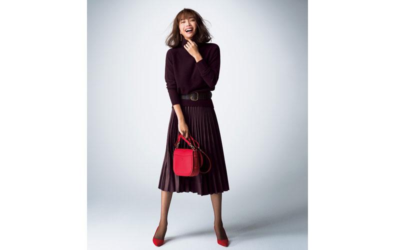 【5】ブラウンプリーツスカートのワントーンコーデ