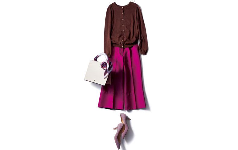 【3】カーディガン×ピンクのガウチョパンツ×くすみピンクのパンプス