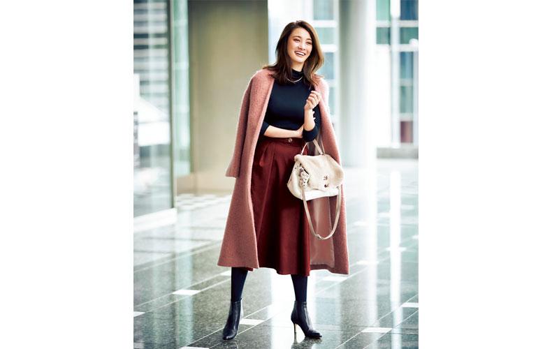 【4】ピンクコート×赤スカート×黒タートル