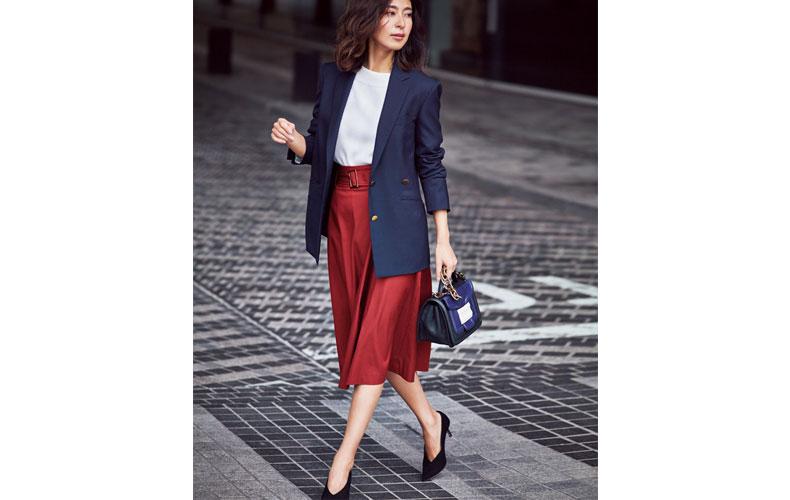【6】カラースカート×ダブルブレザーのビジネスコーデ