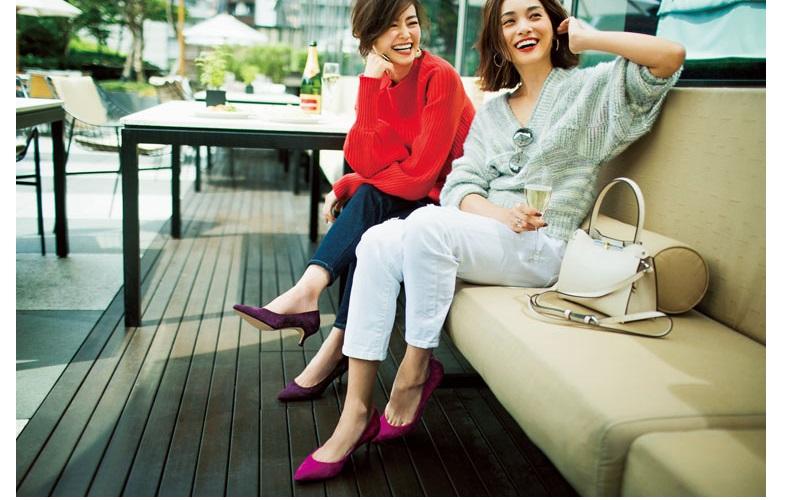 【1】ピンクのフラット靴×白パンツ