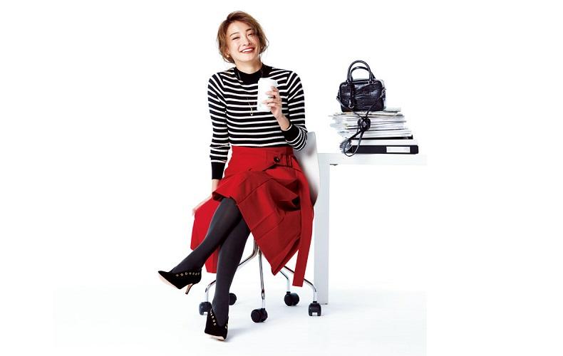 【3】赤スカート×白黒ボーダーニット