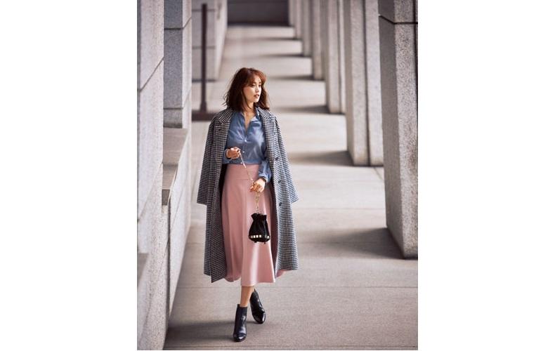 【6】チェックコート×ピンクスカート×水色コーデュロイシャツ