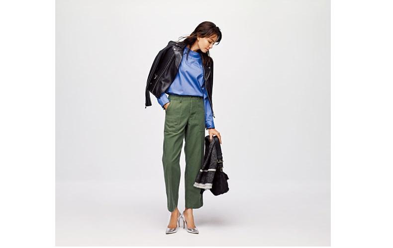 【7】水色シャツ×カーキベイカーパンツ×黒ライダースジャケット
