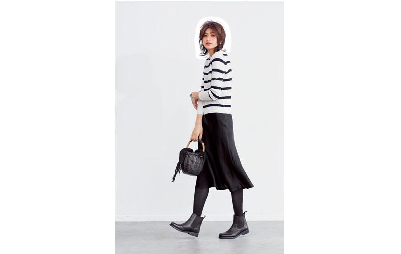 【3】ボーダーニット×タイツ×黒フレアスカート