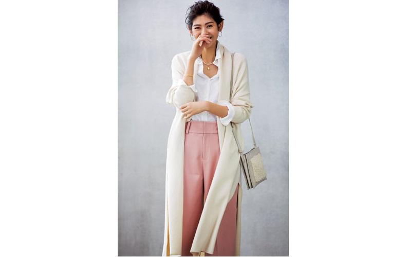 【3】白ロングカーディガン×ピンクワイドパンツ×白シャツ