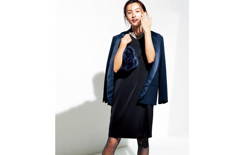 【3】ネイビージャケット×黒ワンピース