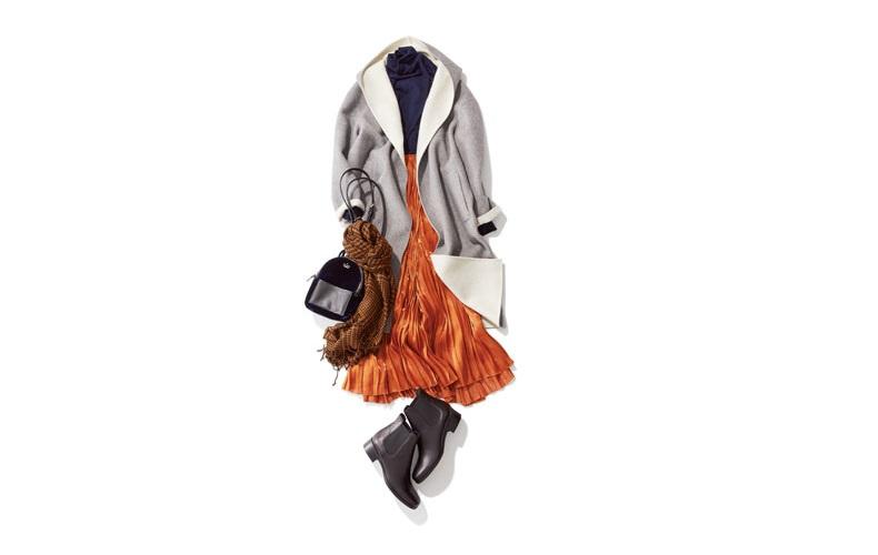【2】黒ニット×茶色プリーツスカート×グレーコート×ブラウンストール