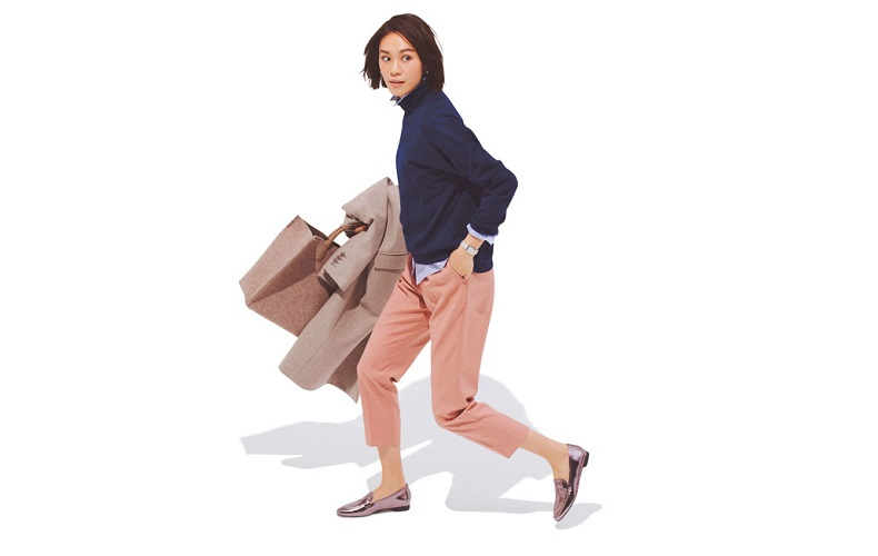 【1】ネイビーニット×シャツ×ピンクのパンツ