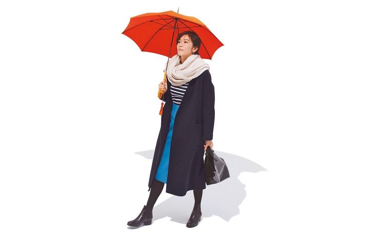 【1】コート×カットソー×ブルーのスカート×ショートブーツ