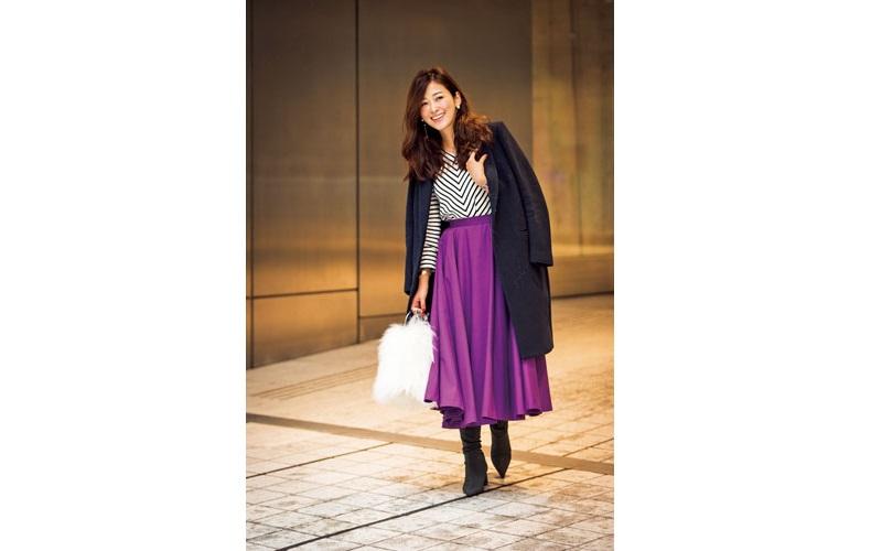【5】黒コート×ボーダーカットソー×紫フレアスカート