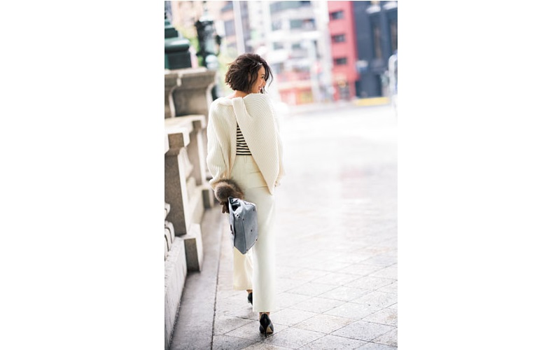 【1】白ニット×ボーダーカットソー×白パンツ×黒パンプス