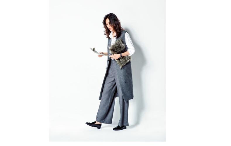 【3】白シャツ×ワイドパンツのハンサムスタイル