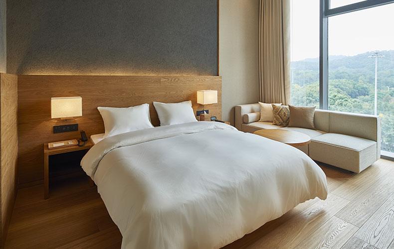 あの無印良品がホテルを作る。これだけでもう心躍りますよね。「MUJI HOTEL」は「アンチゴージャス、  アンチチープ」をコンセプトに、ちょうど良い価格で良く眠れ、 ...