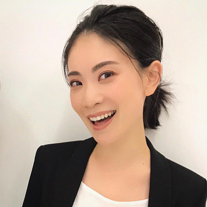 美容ライター有田千幸さんのポーチ