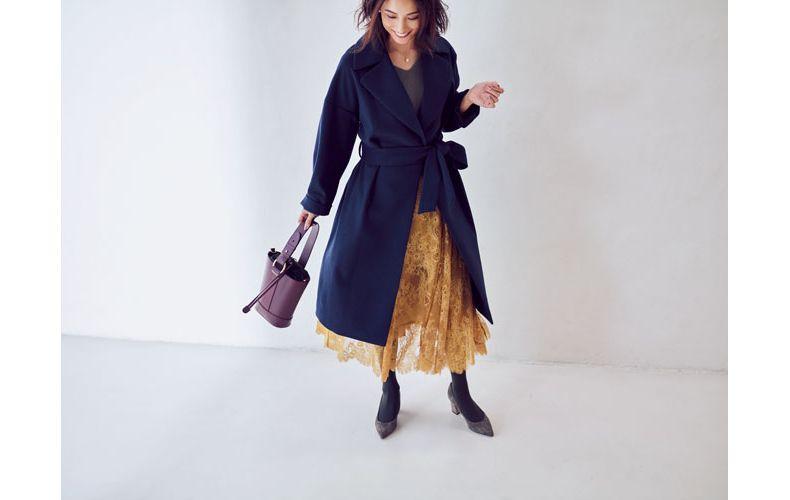 【5】グレーカットソー×ネイビーコート×黄色レースロングスカート