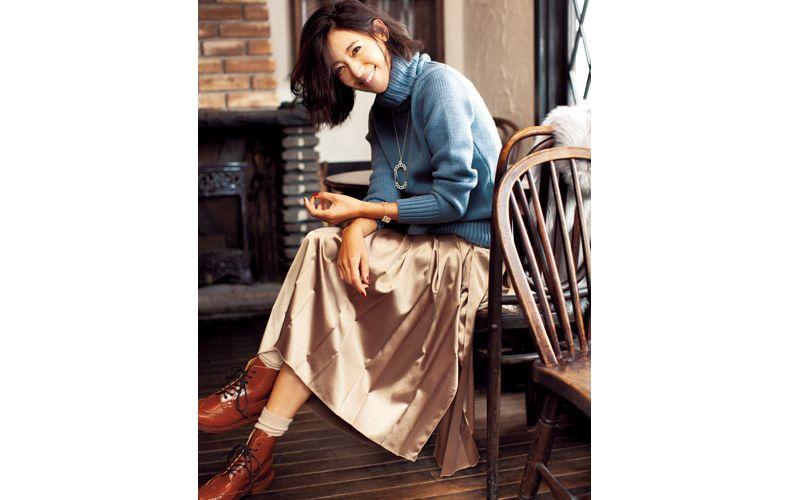 【2】水色ニット×ベージュスカート×靴下×茶色ショートブーツ