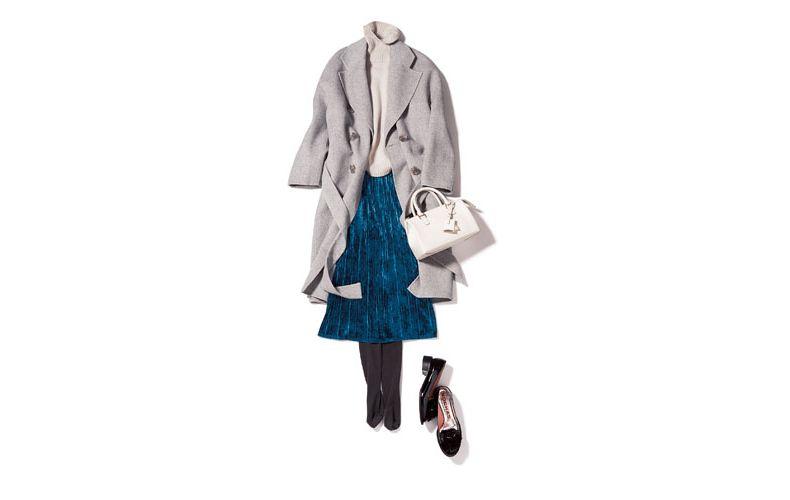 【5】ブルーのプリーツスカート×グレーのコート