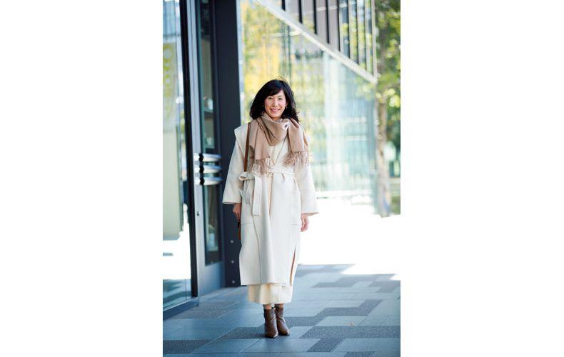 【7】白ニット×白ロングスカートのセットアップ