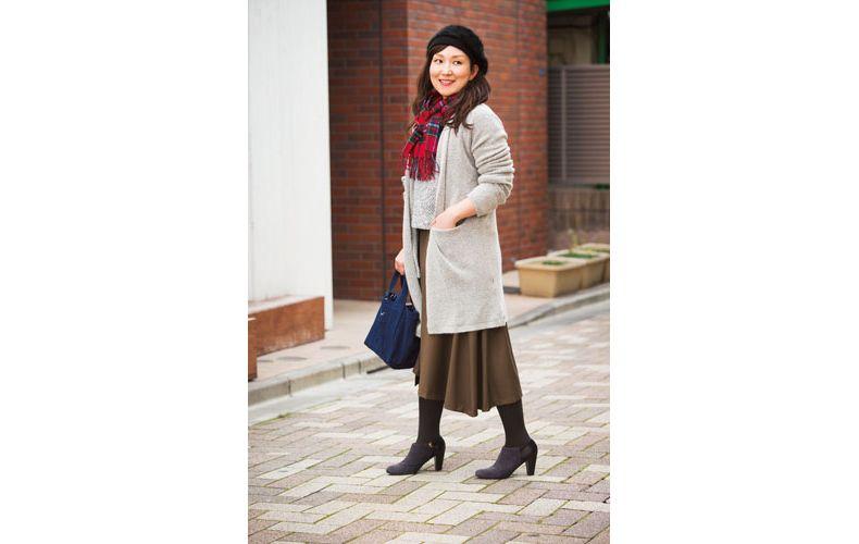 【2】グレーニット×グレーロングカーディガン×茶色スカート