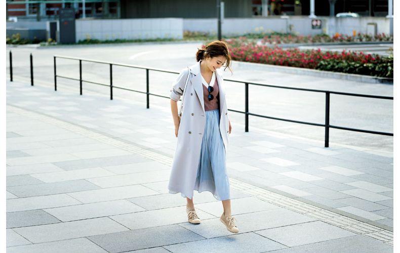 【4】プリーツスカート×トレンチコート
