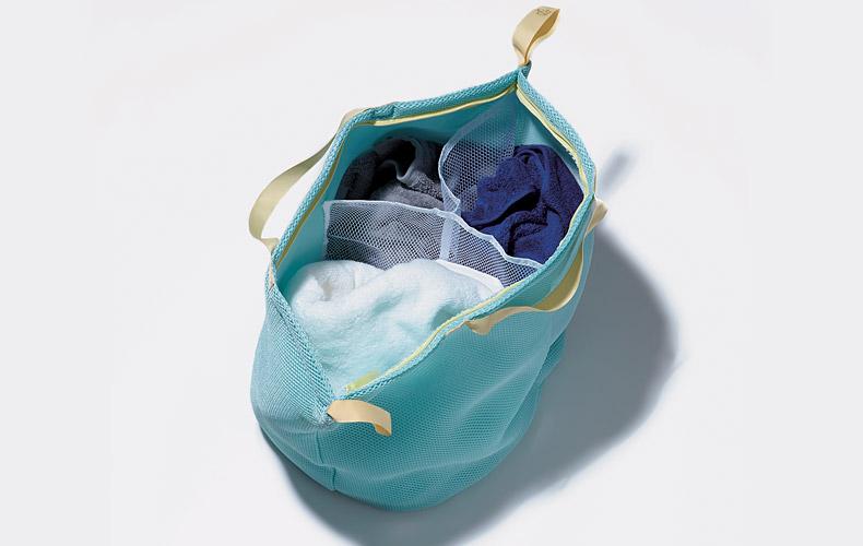【2】仕分け付きの洗えるランドリーバスケットネット