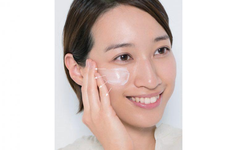 ■乾燥肌は保湿系の下地を全顔に