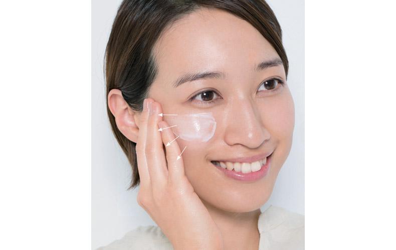 【1】乾燥しない肌を作るベースメイク