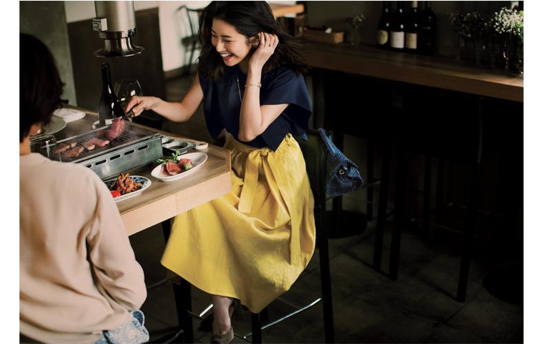 【9】ネイビーブラウス×黄色フレアスカート