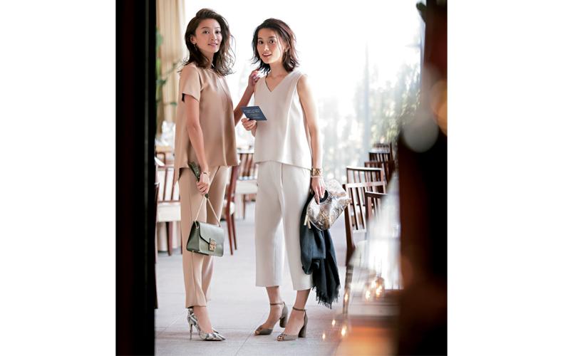 【4】白ブラウス×白ワイドパンツのパーティー服