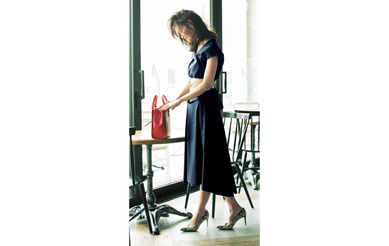 【4】ネイビートップス×ネイビーフレアスカート