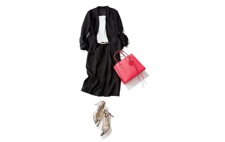 【7】白タンクトップ×黒ジャケット×黒スカート
