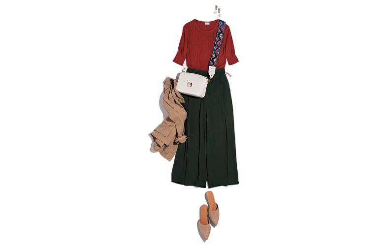 【4】赤カットソー×GUのワイド黒パンツ