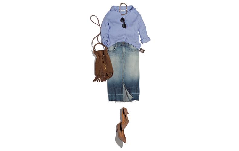【3】ユニクロの水色シャツ×デニムスカート