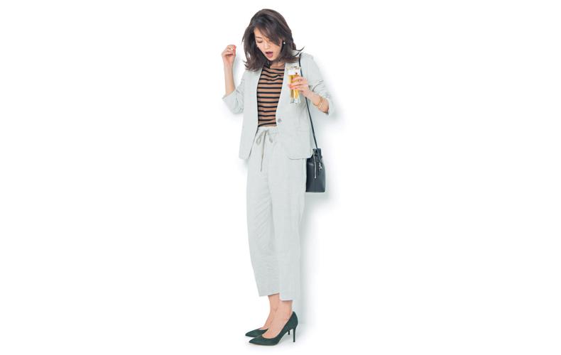 【6】白パンツ×白ジャケット×ボーダーTシャツ