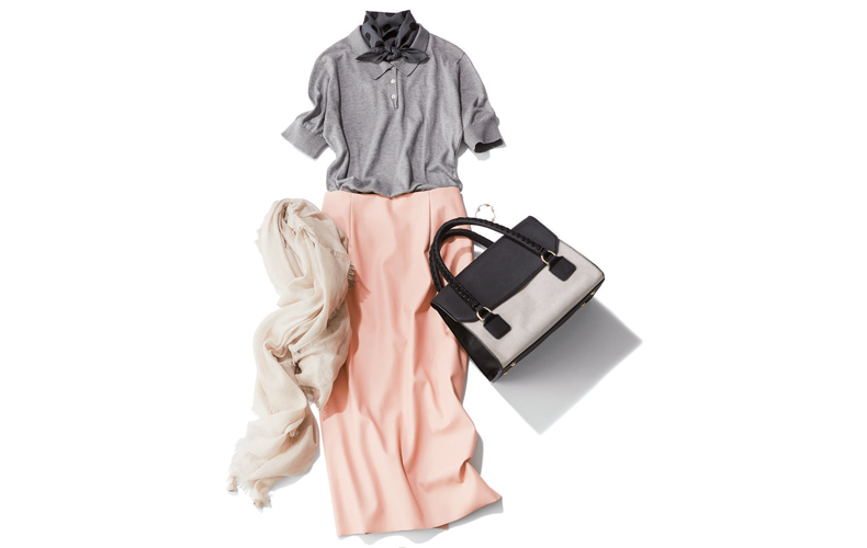 【5】グレーポロシャツ×スカーフ×ピンクスカート