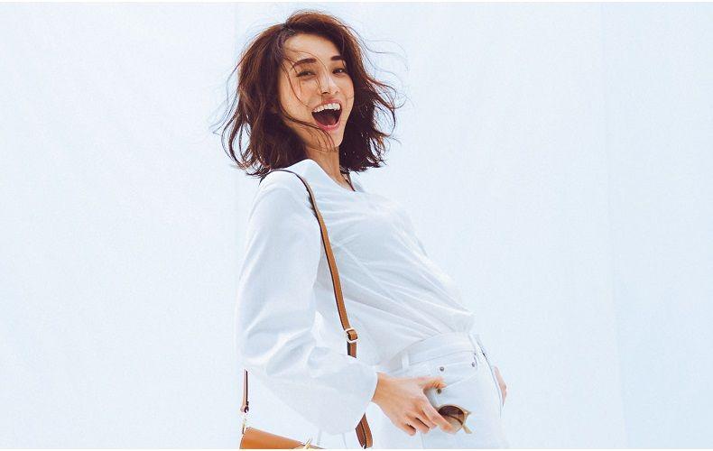 bcc009124926d6 30代・40代レディース向け白パンツコーデを大特集!おすすめ白パンツコーデ×白パンツに合う靴の着こなしを、春夏秋冬の季節別に一挙ご紹介します。