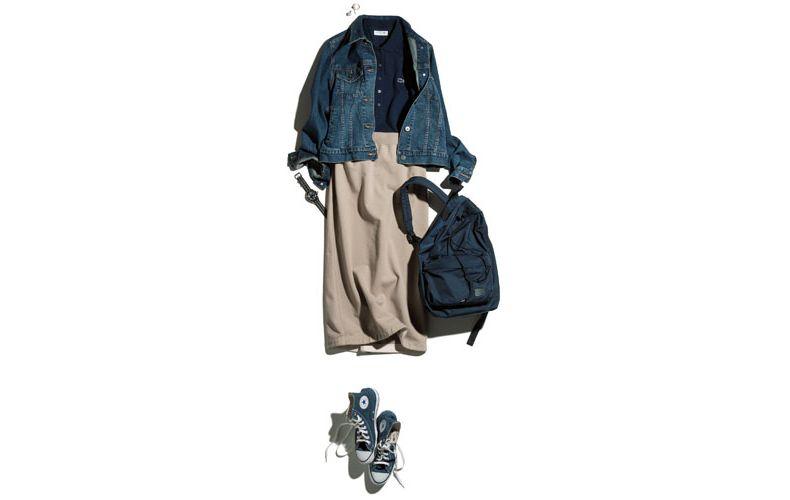 【2】黒ポロシャツ×ベージュスカート×デニムジャケット