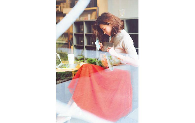 【3】スエット×ユニクロのオレンジフレアスカート