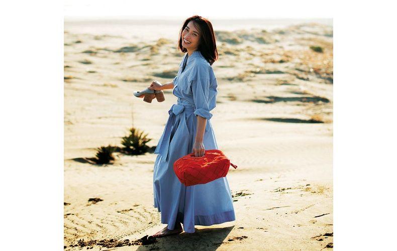 【8】水色シャツ×水色フレアロングスカート