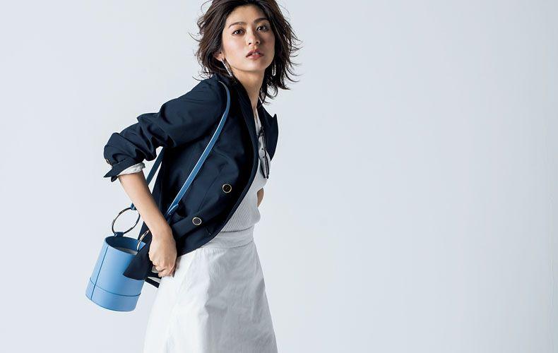 e494d02b8f4b14 定番の白・黒ロングスカートや、流行色のロングスカートをピックアップ! ロングスカートに合う靴とのコーディネートも集めました。