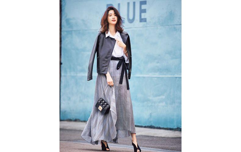 【6】黒レザージャケット×チェックロングスカート×白シャツ
