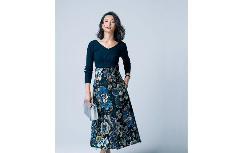 【6】ネイビーニット×花柄ロングスカート