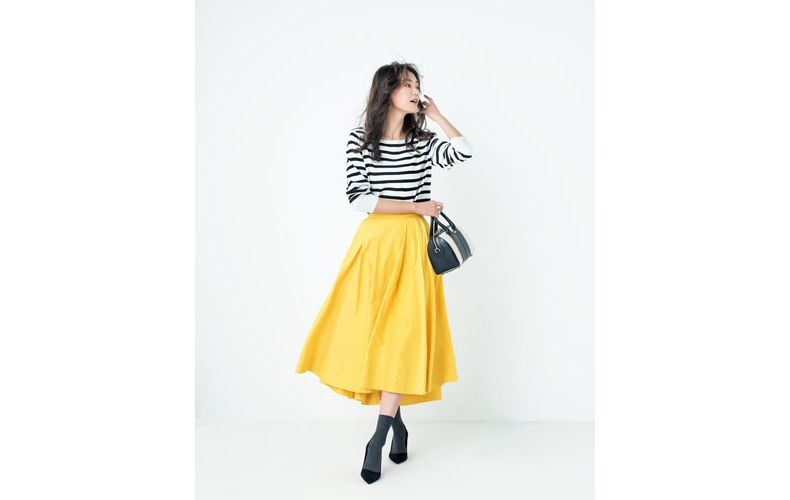 【3】ボーダーニット×フレア黄色スカート