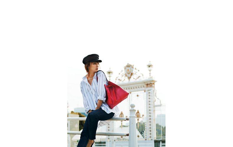 【1】ストライプ白シャツ×デニムパンツ