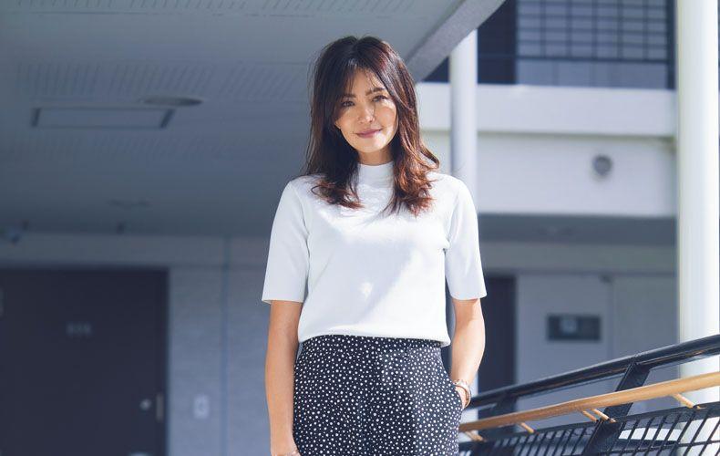 春夏におすすめの着こなしや、スカート・アウター・黒スキニーパンツとの着こなしをご紹介します。ユニクロ(Uniqlo)のアイテムもピックアップ!